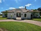 Maison unifamiliale for  sales at Ranch Property w/Custom Home – Agri Paradise! 901 Casalino Road   Fort Pierce, Florida 34945 États-Unis