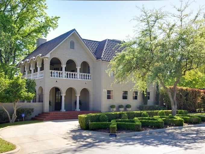 Casa Unifamiliar for sales at 4455 Crestline Road    Fort Worth, Texas 76107 Estados Unidos