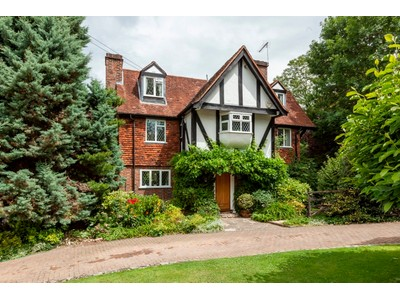Maison unifamiliale for sales at 1 High Drive High Drive Oxshott Other England, Angleterre kt220ng Royaume-Uni