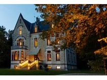 Casa para uma família for sales at Prestigious Chateau - Luxury 9-rooms Hotel BORDEAUX Bordeaux, Aquitaine 33000 França