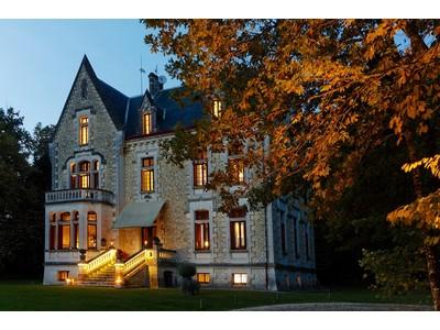 Moradia for sales at Prestigious Chateau - Luxury 9-rooms Hotel BORDEAUX Bordeaux, Aquitaine 33000 França