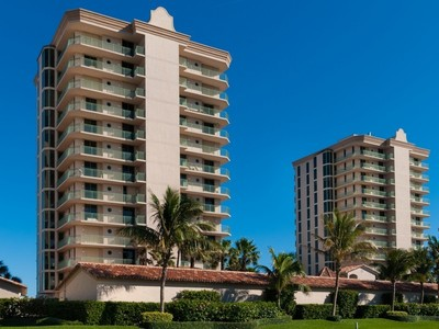 Condomínio for sales at Condo in Altamira 4310 A1A N #401S Fort Pierce, Florida 34949 Estados Unidos