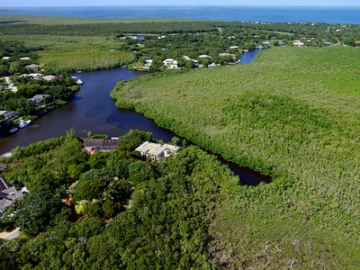 Terrain for sales at Canal Front Lot at Ocean Reef 29 Baker Road  Ocean Reef Community, Key Largo, Florida 33037 États-Unis