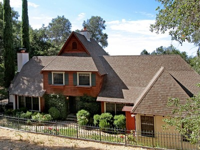 Maison unifamiliale for sales at Nestled in Tree Studded Hills of West Atascadero 8700 San Gregorio Atascadero, Californie 93422 États-Unis