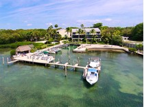 Villetta a schiera for sales at Bayside Retreat 94220 Overseas Highway #2D   Key Largo, Florida 33037 Stati Uniti