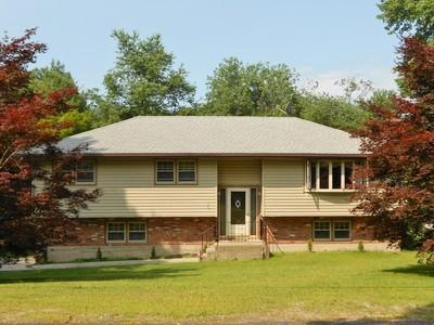 独户住宅 for sales at VERSITLE LIFESTYLE 845 High Street Ext.  Thomaston, 康涅狄格州 06787 美国