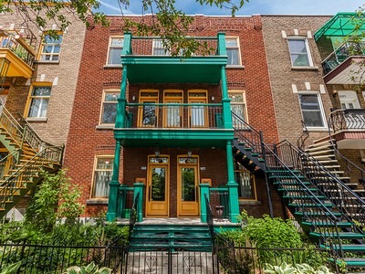 Apartamento for sales at Villeray   Huge 3 storey appartment 8173-8177 Rue Drolet  Montreal, Quebec H2P2H6 Canadá