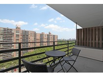 Condominio for sales at Large JR 4 Condo Converted to 2 BR 382 Central Park West 14X  Upper West Side, New York, Nueva York 10025 Estados Unidos