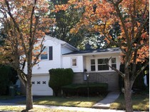 Maison unifamiliale for sales at Well-Maintained Spacious Split Level Home 41 Fern Street   Bridgeport, Connecticut 06606 États-Unis