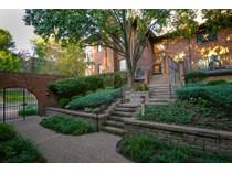 Maison unifamiliale for sales at Pershing Avenue 8010 Pershing Avenue   St. Louis, Missouri 63105 États-Unis