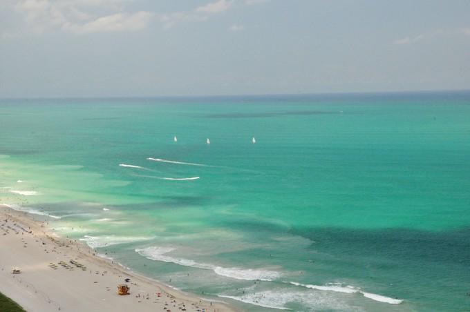 Condominio for sales at Continuum South Beach 3401 50 S. Pointe Dr Unit 3401   Miami Beach, Florida 33139 Stati Uniti