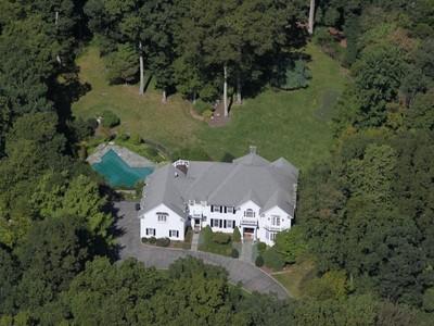 Casa para uma família for sales at Exquisite Colonial with Pool 50 Cattle Pen Lane  Ridgefield, Connecticut 06877 Estados Unidos