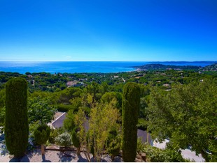 Single Family Home for sales at Luxurious villa within a private estate with breathtaking sea views  Sainte Maxime, Provence-Alpes-Cote D'Azur 83120 France