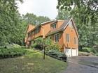獨棟家庭住宅 for sales at Cul-De-Sac Neighborhood 9 Hickory Lane New Fairfield, 康涅狄格州 06812 美國