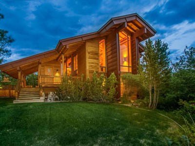Maison unifamiliale for sales at Seclusion and Privacy in the Heart of Park City - Minutes to Everything 2445 Iron Canyon Dr  Park City, Utah 84060 États-Unis