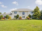 Einfamilienhaus for  sales at 4 Slopebrook Lane  Colts Neck, New Jersey 07722 Vereinigte Staaten