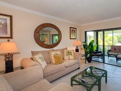 Condomínio for sales at Truly Florida Living at Ocean Reef 13 Lakeside Lane, Unit B Key Largo, Florida 33037 Estados Unidos