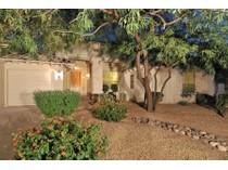 Maison unifamiliale for sales at Lovely Updated North Scottsdale Home 9115 E La Posada Court   Scottsdale, Arizona 85255 États-Unis