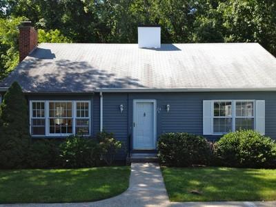 Maison de ville for sales at Kensington Acres South 24A Wilshire Rd Madison, Connecticut 06443 États-Unis