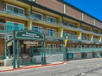 Condominium for sales at Location, Location, Location! Darling Main Street Condo! 220 Park Ave C46 Park City, Utah 84060 United States