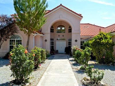 Maison unifamiliale for sales at RIDGE TOP HOME 6710 Gage Irving Road Paso Robles, Californie 93446 États-Unis