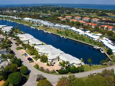 Condominio for sales at Canal Front Condominium at Ocean Reef 2 Marlin Lane Unit B Key Largo, Florida 33037 Estados Unidos