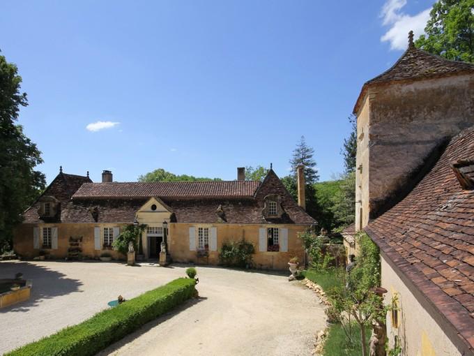 Maison multifamiliale for sales at For sale master house and estate Dordogne Perigord Street Le Bugue, Dordogne 24510 France