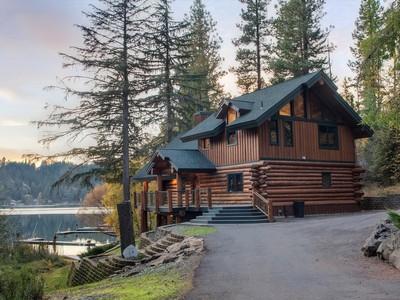 Casa Unifamiliar for sales at Hayden Lake Rustic Elegance 7364 E Revilo Point Rd Hayden Lake, Idaho 83835 Estados Unidos