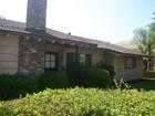 Maison unifamiliale for  sales at 2128 N. Indian Hill Blvd.  Claremont, Californie 91711 États-Unis