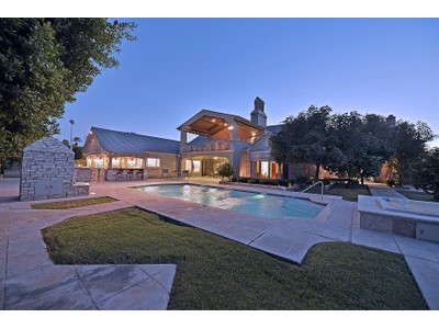 Moradia for sales at A True French Chateau In A Privately Gated, Lush Green Setting 36 Biltmore Estates Phoenix, Arizona 85016 Estados Unidos