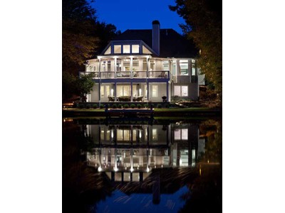 Villa for sales at Lakefront Jewel in Windward 6340 Spinnaker Lane  Alpharetta, Georgia 30005 Stati Uniti