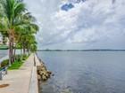 Condominio for sales at 665 NE 25 ST #2605 665 NE 25 ST Unit 2605 Miami, Florida 33137 Estados Unidos