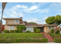 단독 가정 주택 for sales at 3224 Sterne St    San Diego, 캘리포니아 92106 미국