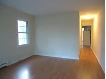 Casa Unifamiliar for sales at North End Half Duplex in Move In Condition 31 Pond Street   Bridgeport, Connecticut 06606 Estados Unidos