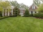 Частный односемейный дом for  sales at 7787 Glenhaven Court, Mclean 7787 Glenhaven Ct   McLean, Виргиния 22102 Соединенные Штаты