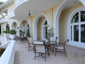 Additional photo for property listing at Beachfront Estate Beachfront Estate Lyford Cay Drive Lyford Cay, New Providence/Nassau . Bahamas