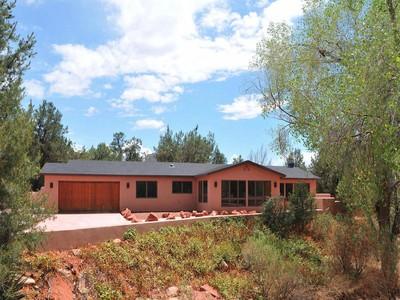 獨棟家庭住宅 for sales at Surrounded by Red Rocks 171 Eagle Lane Sedona, 亞利桑那州 86336 美國