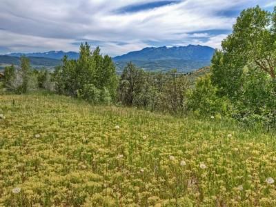 Đất đai for sales at home site boasts incredible views of Snowbasin Ski Resort & Pineview Reservoir 1115 North Maple Dr  Huntsville, Utah 84317 Hoa Kỳ