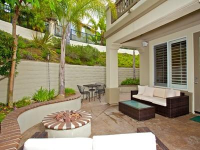 Moradia for sales at 7480 Neptune Dr  Carlsbad, Califórnia 92011 Estados Unidos
