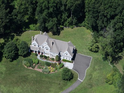 一戸建て for sales at An Opportunity to Own this Beautiful Stone & Shingle Home 125 Nod Hill Road  Wilton, コネチカット 06897 アメリカ合衆国