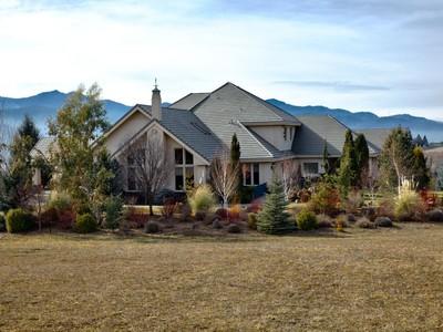 Maison unifamiliale for sales at 1650 Butler Creek Road 1650 Butler Creek Road Main  Ashland, Oregon 97520 États-Unis