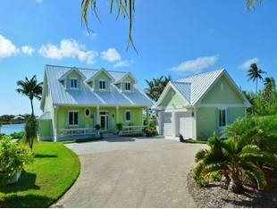 Vivienda unifamiliar for sales at Sweet Pea Treasure Cay, Abaco Bahamas