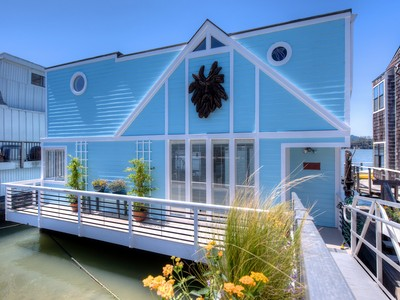 "Vivienda unifamiliar for sales at ""Almost Heaven"" Houseboat 11 Gate 6 1/2 Road Sausalito, California 94965 Estados Unidos"