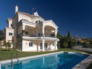 for Sales at Frontline golf villa in Los Naranjos  Marbella, Costa Del Sol 29660 Spain