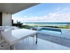 Einfamilienhaus for  sales at Hedges Avenue 159 Hedges Avenue Other Queensland, Queensland 4217 Australien