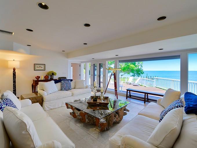 Casa para uma família for sales at Bay Front Home at Ocean Reef 45 Card Sound Road Key Largo, Florida 33037 United States