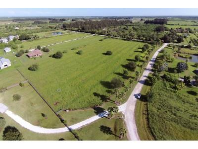 Đất đai for sales at ABUNDANT AGRICULTURAL ACREAGE 5655 56th S Vero Beach, Florida 32966 Hoa Kỳ