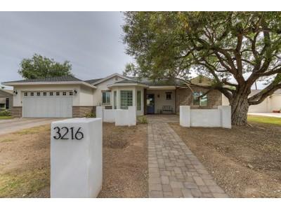 Частный односемейный дом for sales at Charming Rebuilt Home In Biltmore Heights 3216 E Colter Street Phoenix, Аризона 85018 Соединенные Штаты