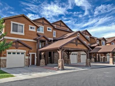Nhà phố for sales at Fully furnished luxury condominium 6486 E Hwy 39 82 #82  Huntsville, Utah 84317 Hoa Kỳ