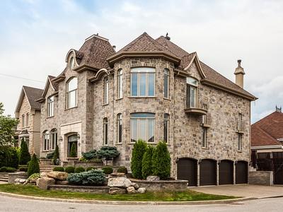 Частный односемейный дом for sales at Fabreville (Laval) 995 Place des Montagnais Fabreville, Квебек H7P6A3 Канада